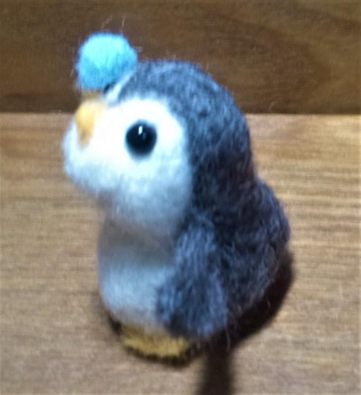 ダイソー100均キットのペンギンさん 左横向き