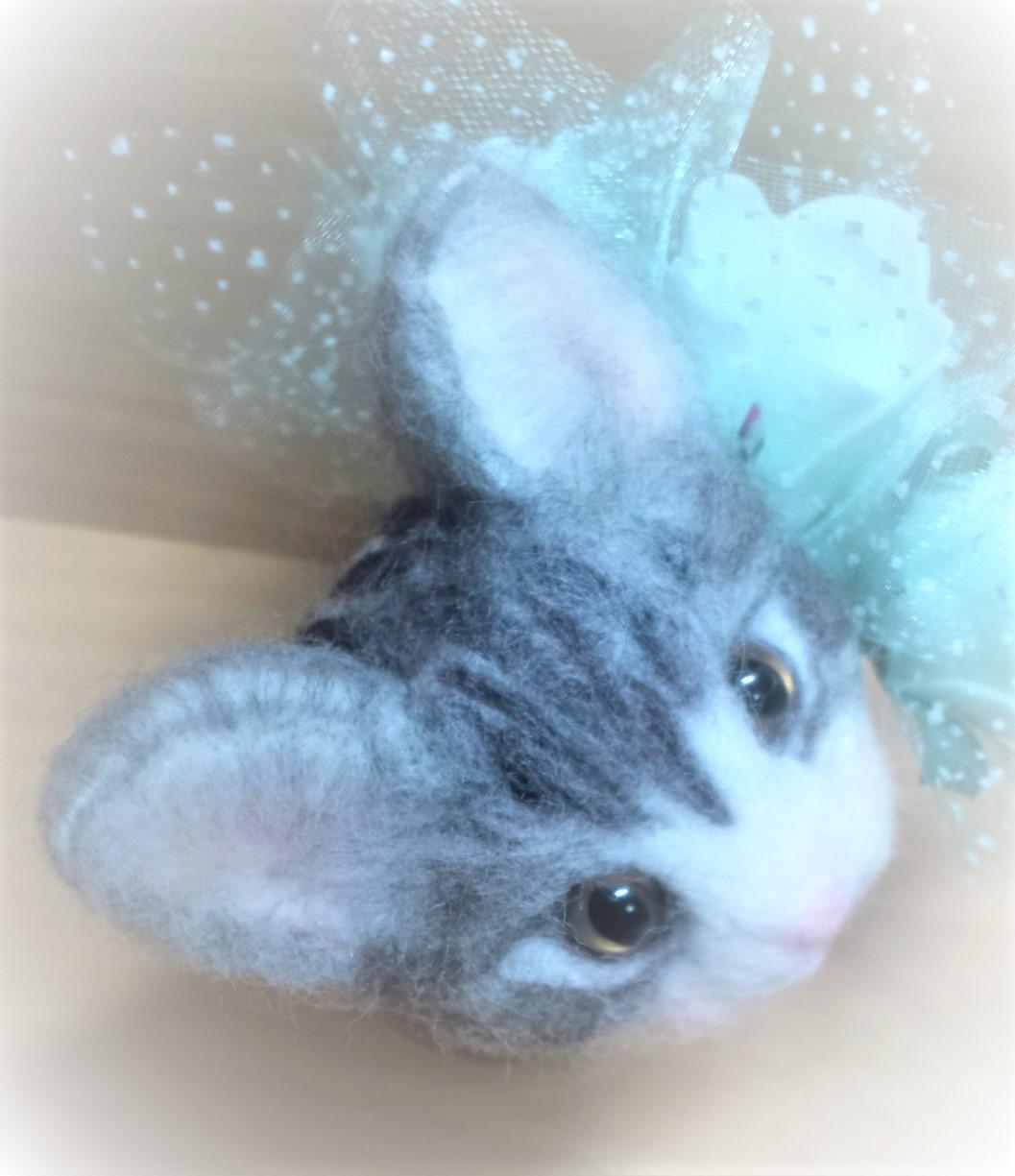 羊毛フェルトネコちゃん-耳の植毛ぼかし