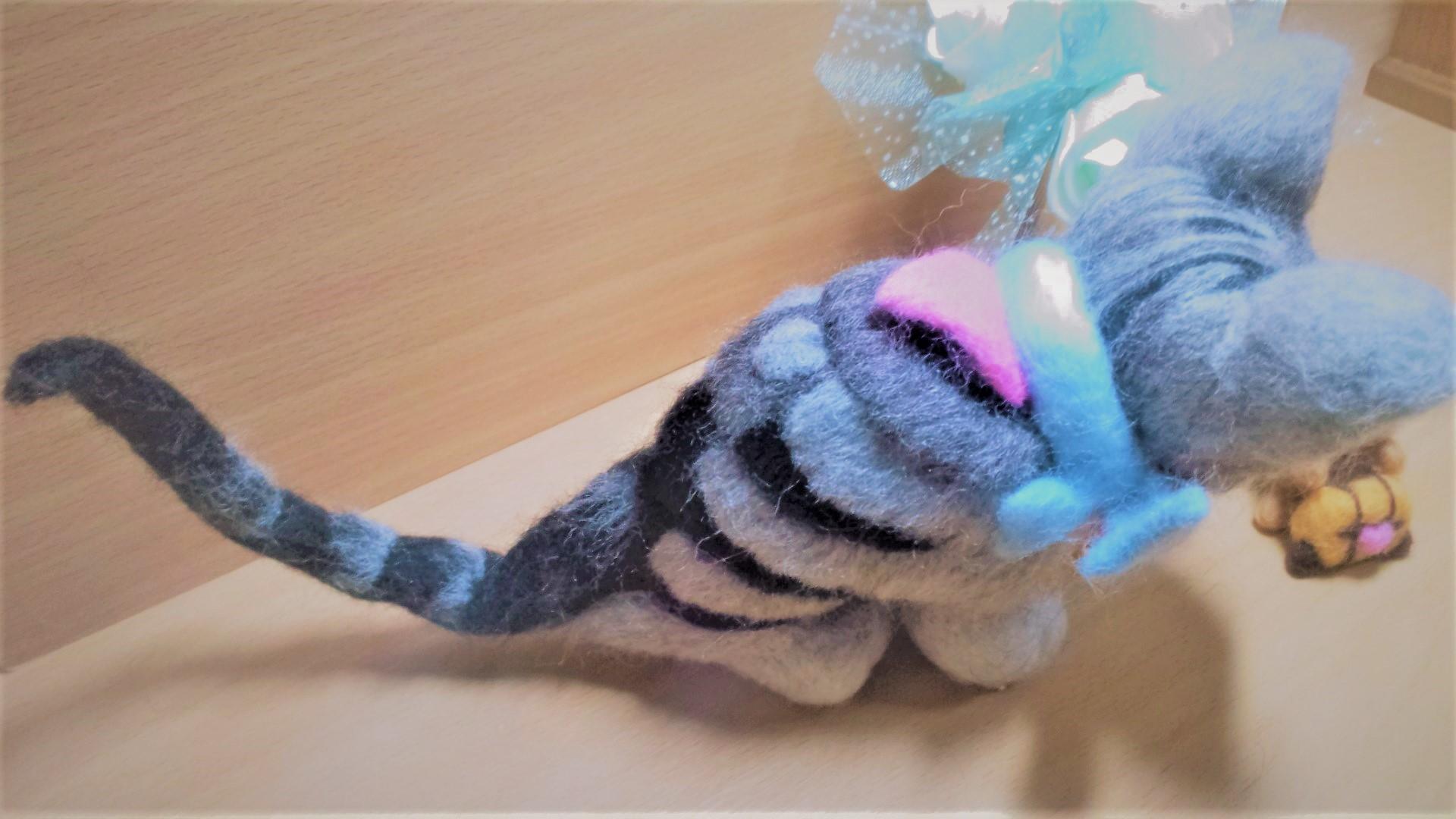 羊毛フェルト ネコちゃんの体の植毛具合