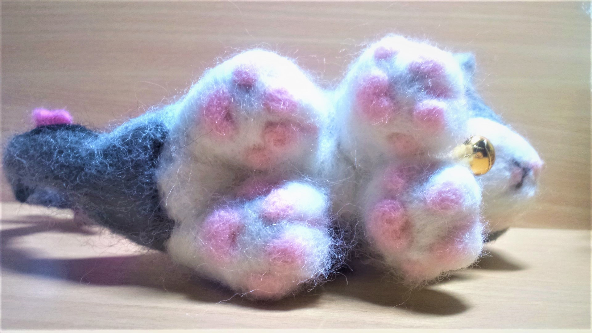 羊毛フェルト ネコちゃんの肉球